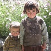 2 little kids